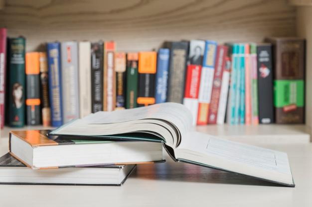 libri-freepik.com